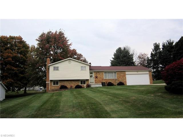 1643 Bywood St, Canton OH 44707