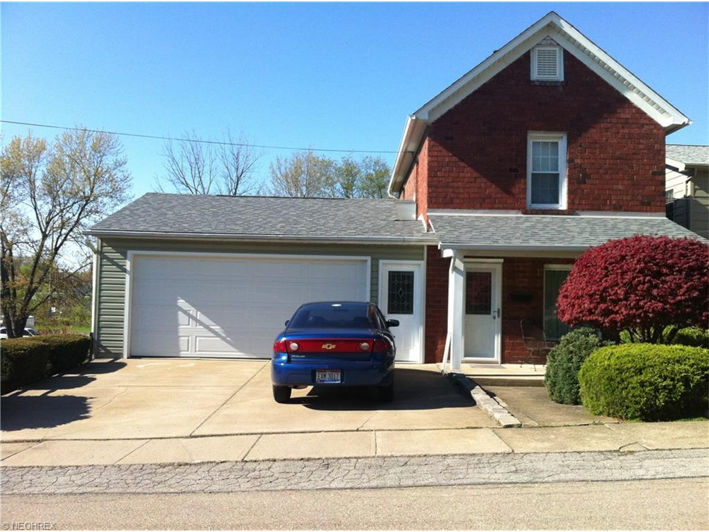 28 Spring St, Hubbard, OH