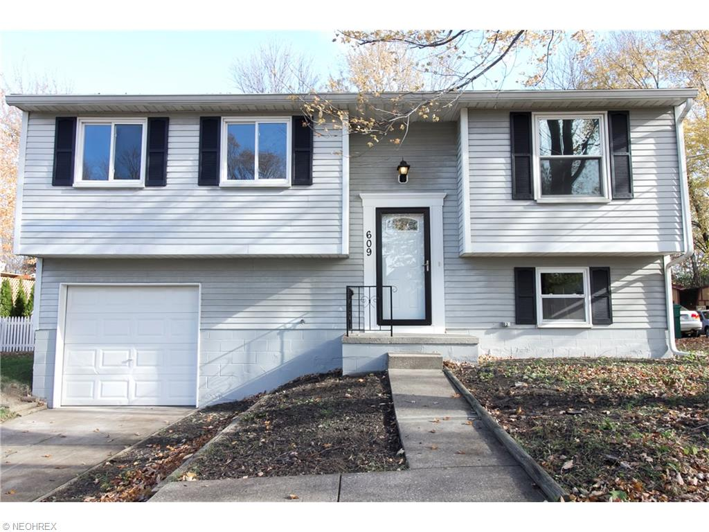 609 Trailwood Dr, Painesville, OH