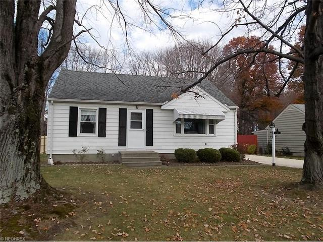 108 Maroy Dr, Amherst, OH