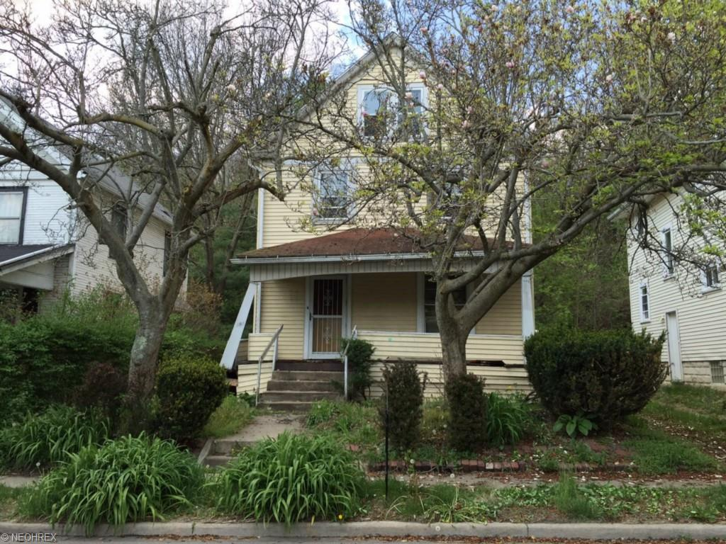 191 Charles St, Akron, OH