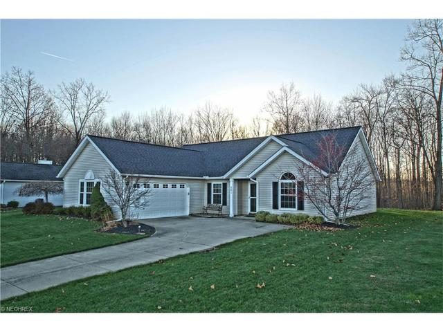 551 W Parkway Dr, Madison OH 44057