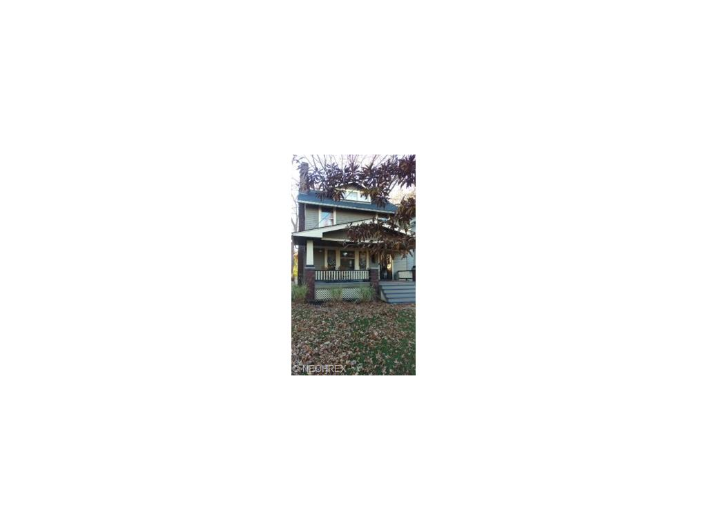 1348 Bonnieview Ave, Lakewood, OH
