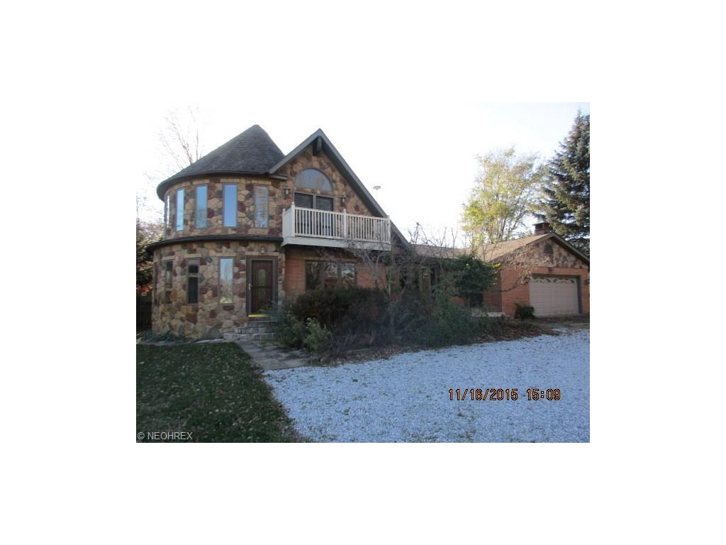 150 Clement Ave, Akron, OH