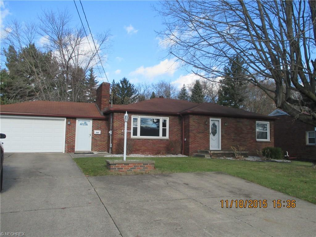 769 Poland Ave, Struthers, OH