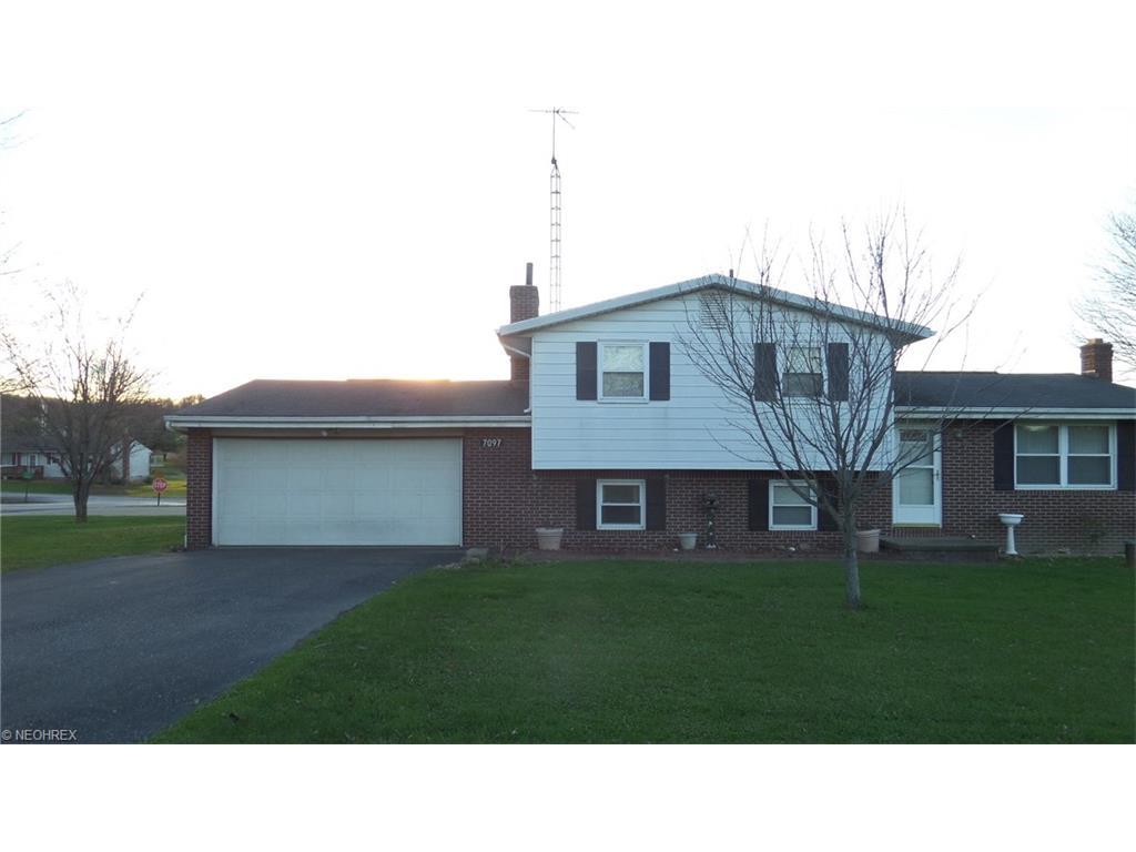 7097 Canton Rd, Malvern, OH