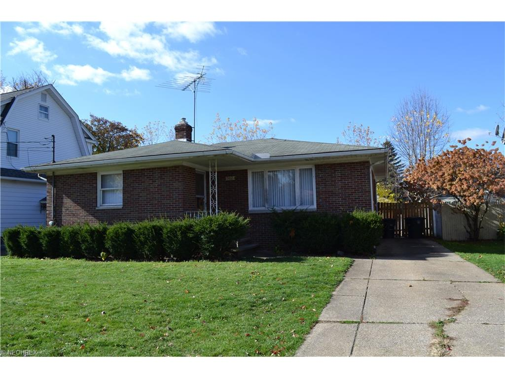 902 Woodward Ave, Akron, OH