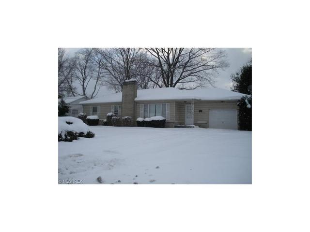 2424 Thurmont Rd, Akron, OH
