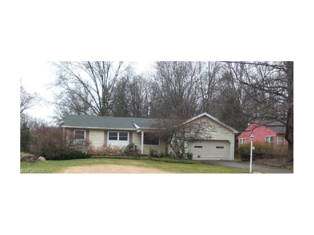 797 Kiwana Dr, Youngstown, OH