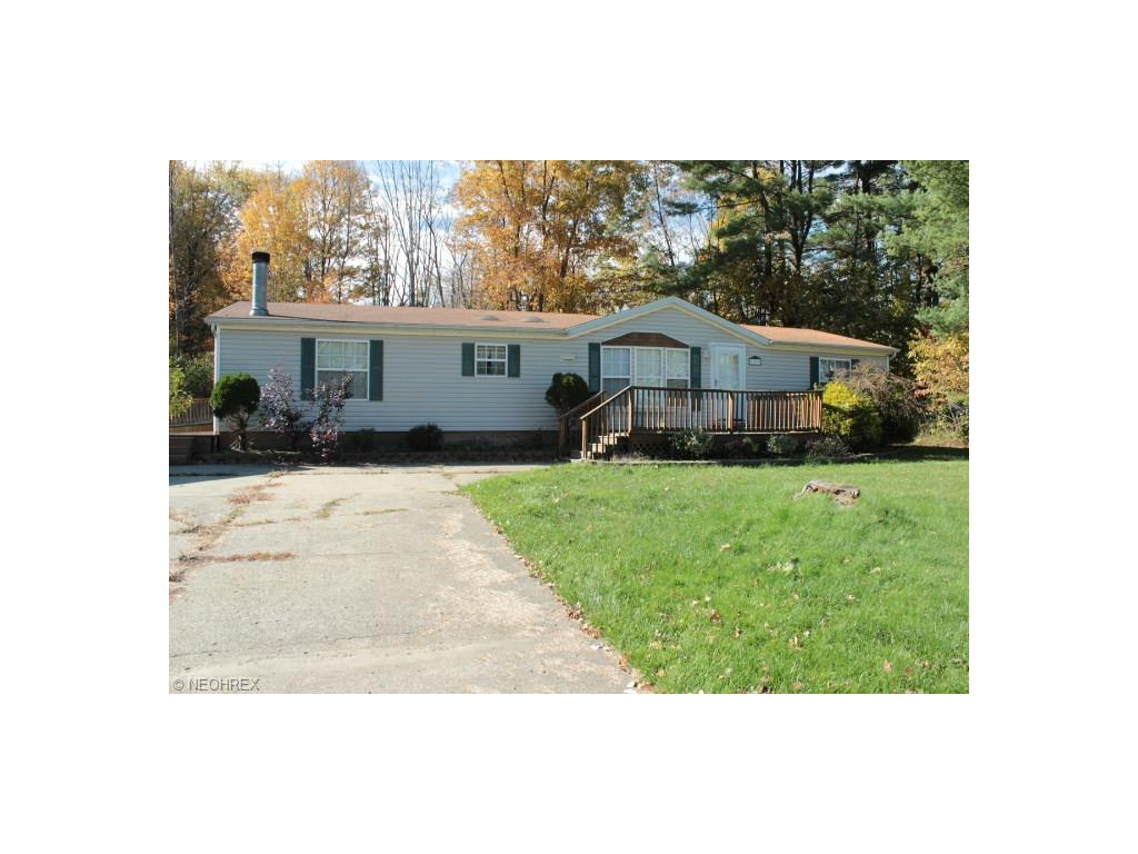 399 W Pine Lake Rd, Salem, OH