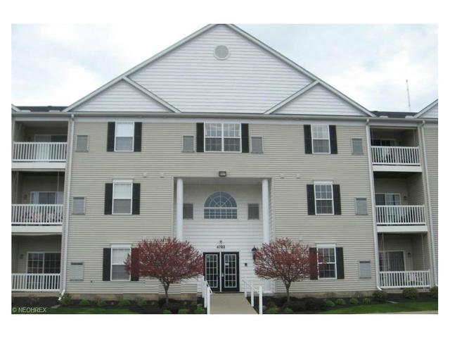 4703 Hills And Dales Rd, Canton OH 44708