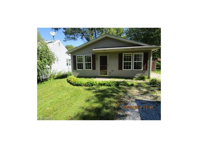 1245 Oxford Dr, Madison OH 44057