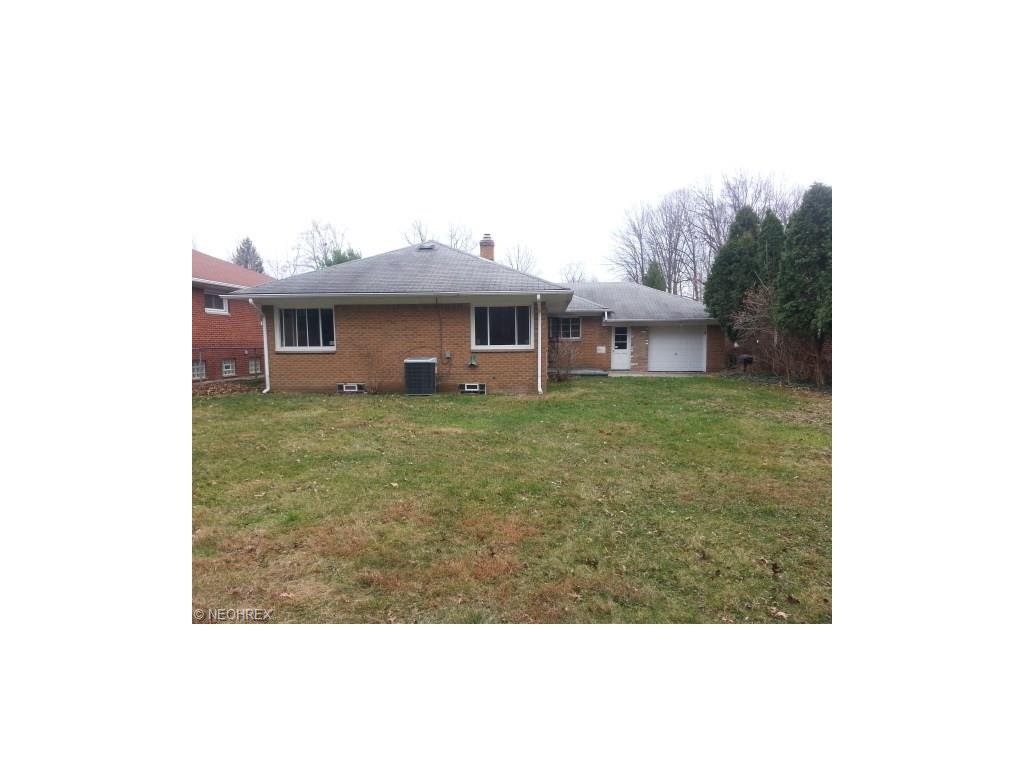2000 Beverly Hills Dr, Cleveland, OH