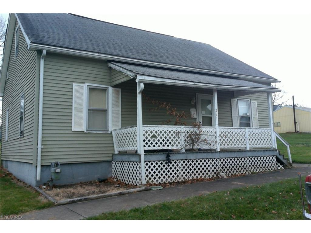 227 W Spruce Ave, Byesville, OH