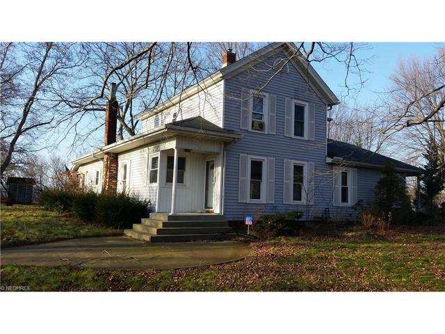 1540 Dock Rd, Madison OH 44057
