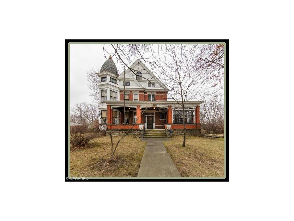 3411 Tuscarawas St, Canton, OH
