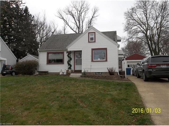4216 8th St, Canton OH 44708