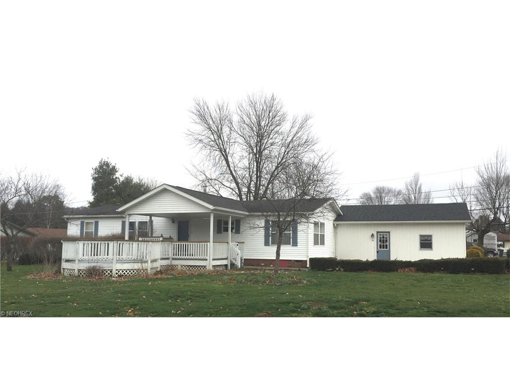 54 N Smith St, Dellroy, OH
