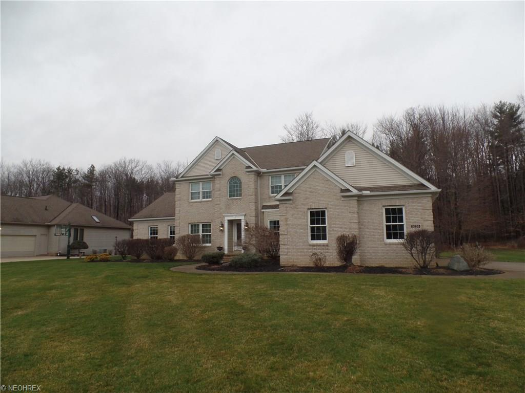 5220 Waterbridge Dr, North Royalton, OH