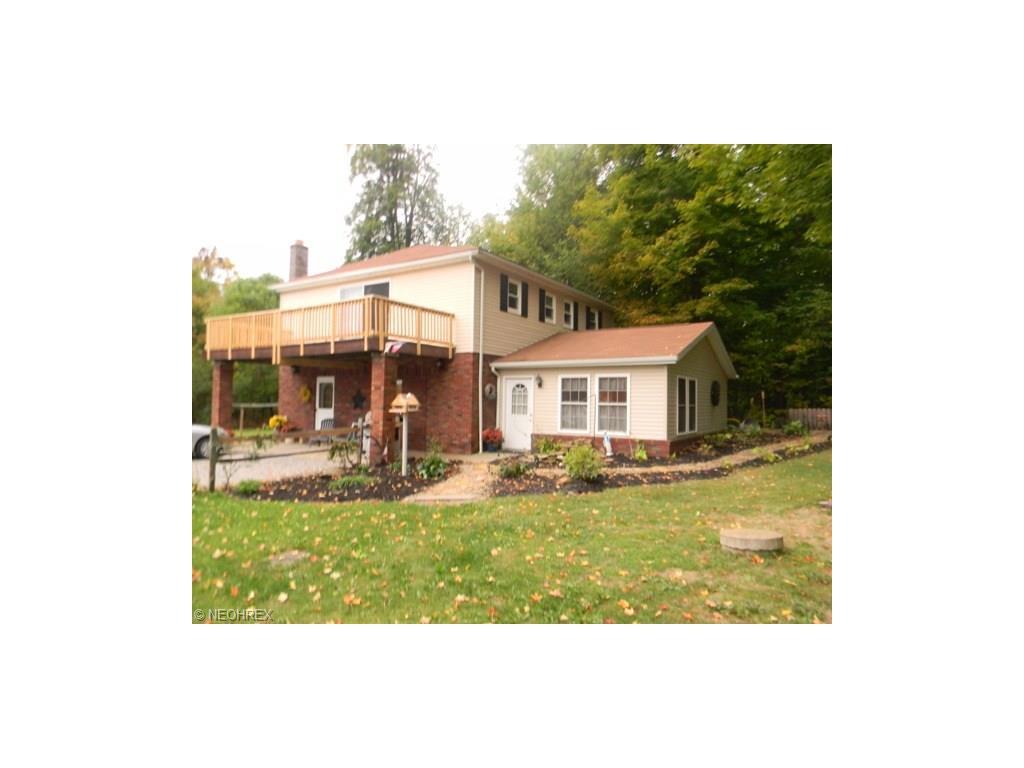 16315 Pine Lake Rd, Beloit, OH
