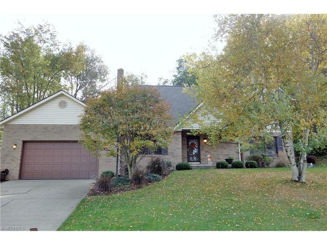 1216 Lost Tree Dr, Canton OH 44708