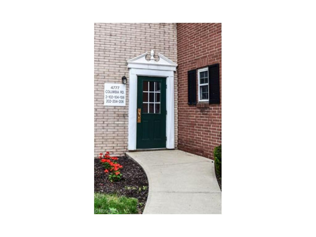 4777 Columbia Rd #APT 2, North Olmsted, OH