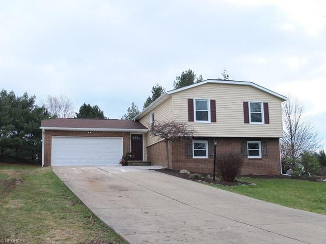 13322 Cactus Ave, Hartville OH 44632