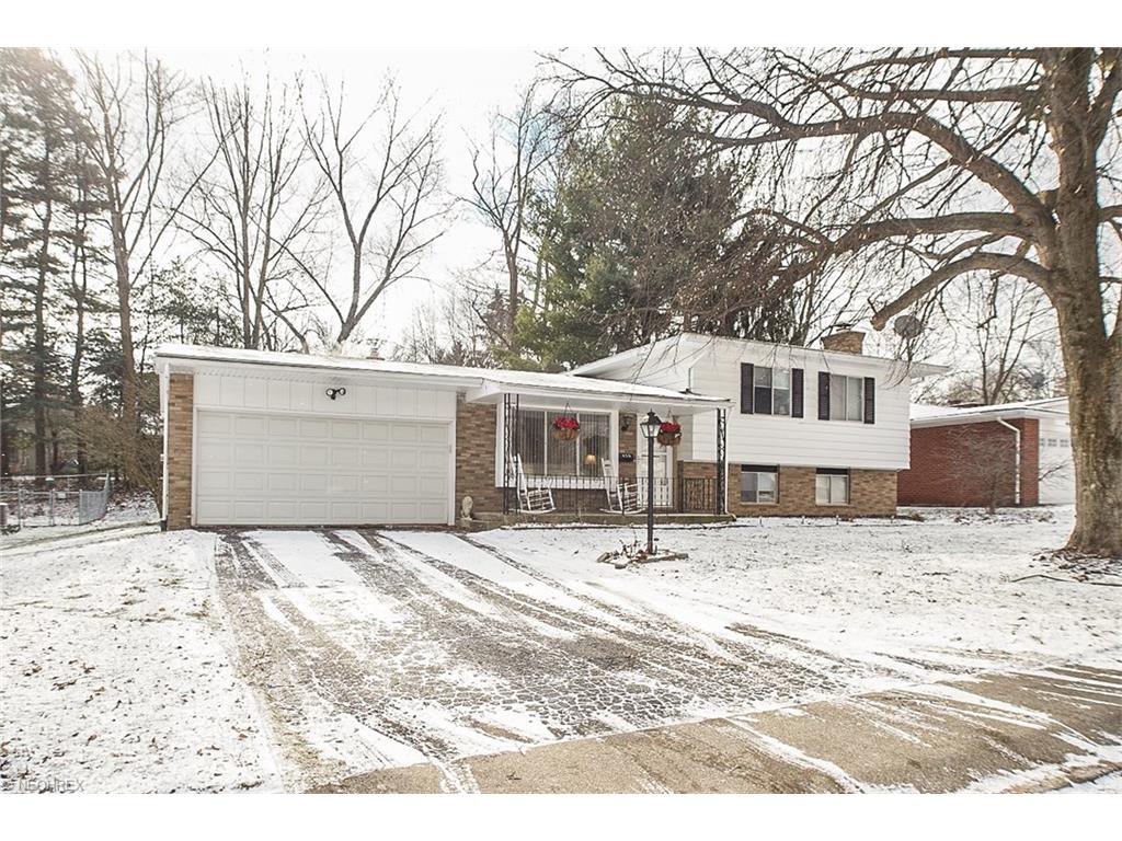456 Sandhurst Rd, Akron, OH
