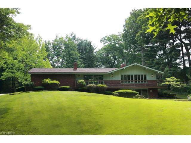 2406 Larchmoor Pkwy, Canton OH 44708