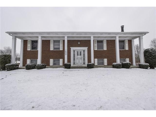 1490 Hightower Dr, Uniontown OH 44685