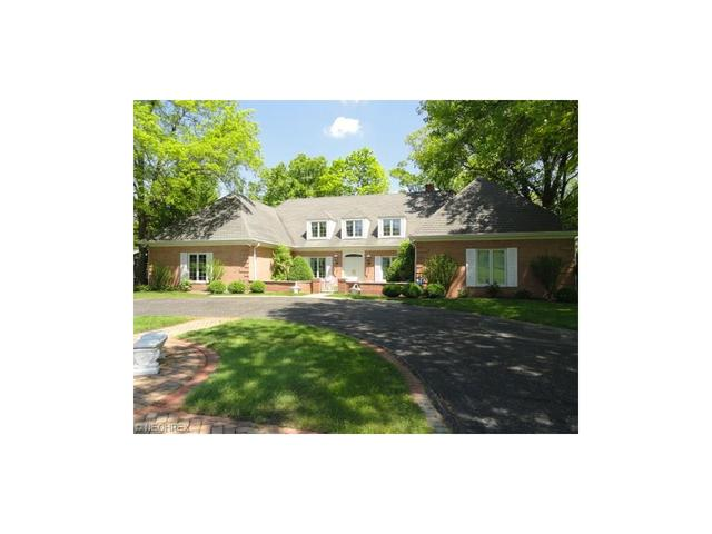 2275 Candlewood Ln, Akron, OH
