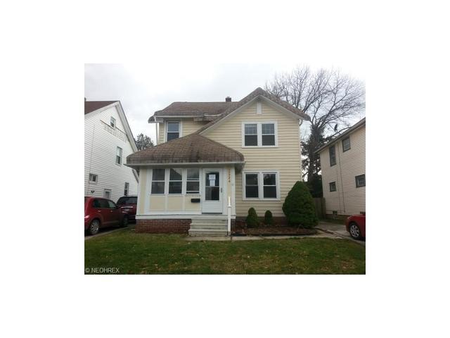 17726 Crestland Rd, Cleveland OH 44119