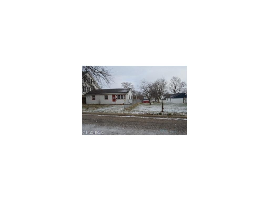 384 Jackson Ave, Brewster, OH