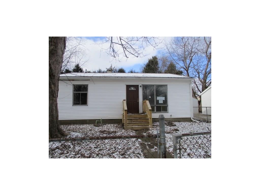 132 Marion Ave, Mogadore, OH