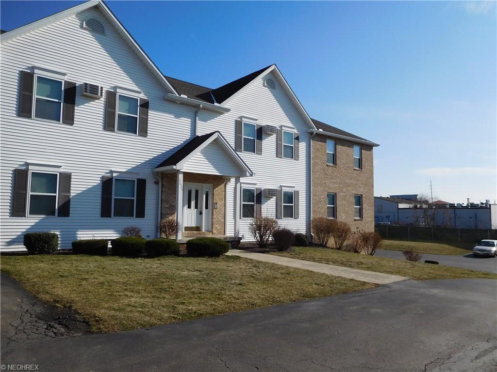 3635 Indian Run Dr #APT 2, Canfield, OH