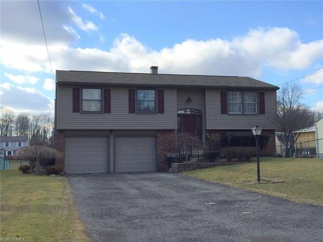 2062 Woodland Trce, Youngstown, OH
