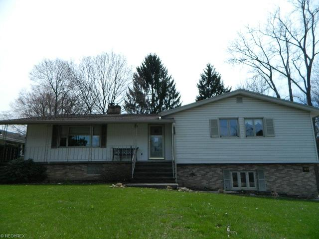 1618 Graham Rd, Stow, OH