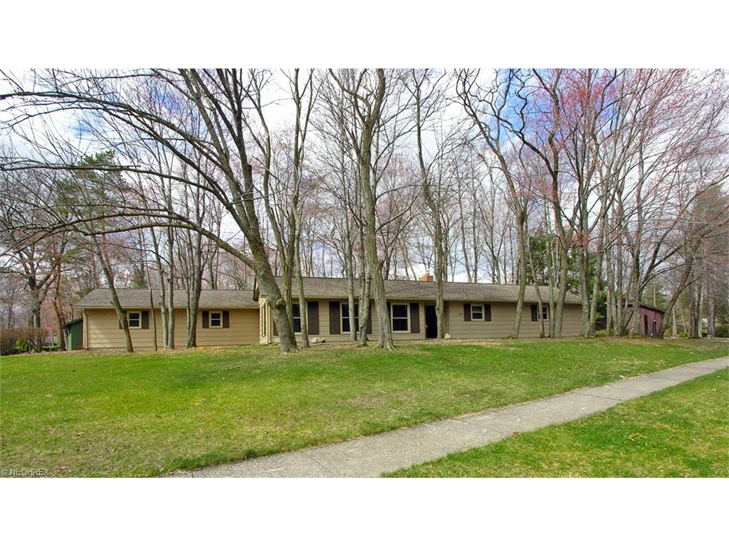 12192 Windcliff Rd, Strongsville, OH