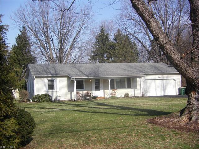 224 Square Dr, Madison OH 44057