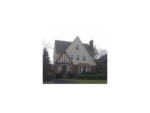 2590 Shaker Rd, Cleveland Heights OH 44118
