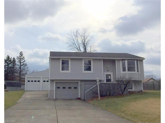 44 Camrose Dr, Niles OH 44446