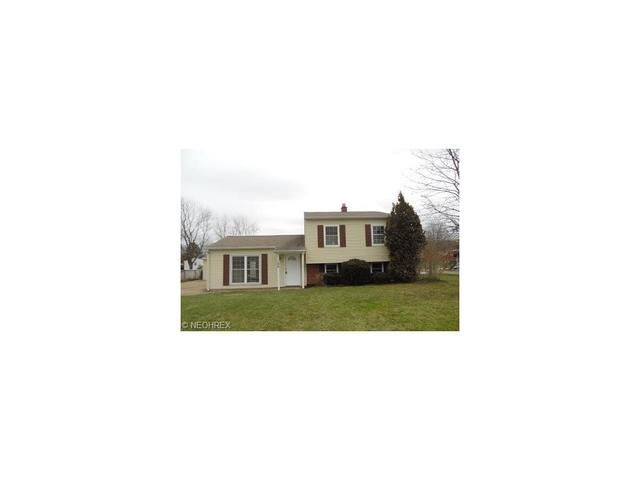 166 W Parkway Dr, Madison OH 44057