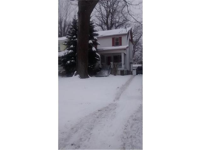 826 Caledonia Ave, Cleveland Heights OH 44112