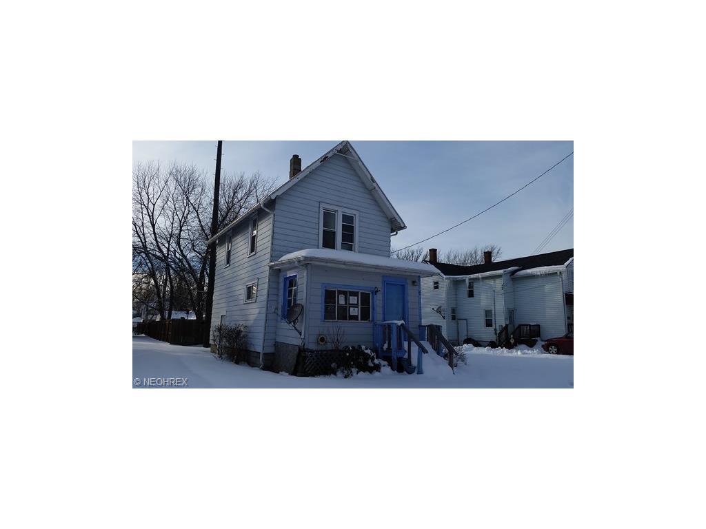 613 Thayer Ave, Ashtabula, OH
