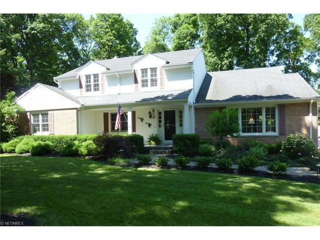 210 Wintergreen Hill Dr, Painesville, OH