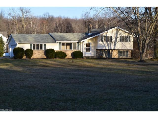8163 Valley View Rd, Macedonia OH 44056