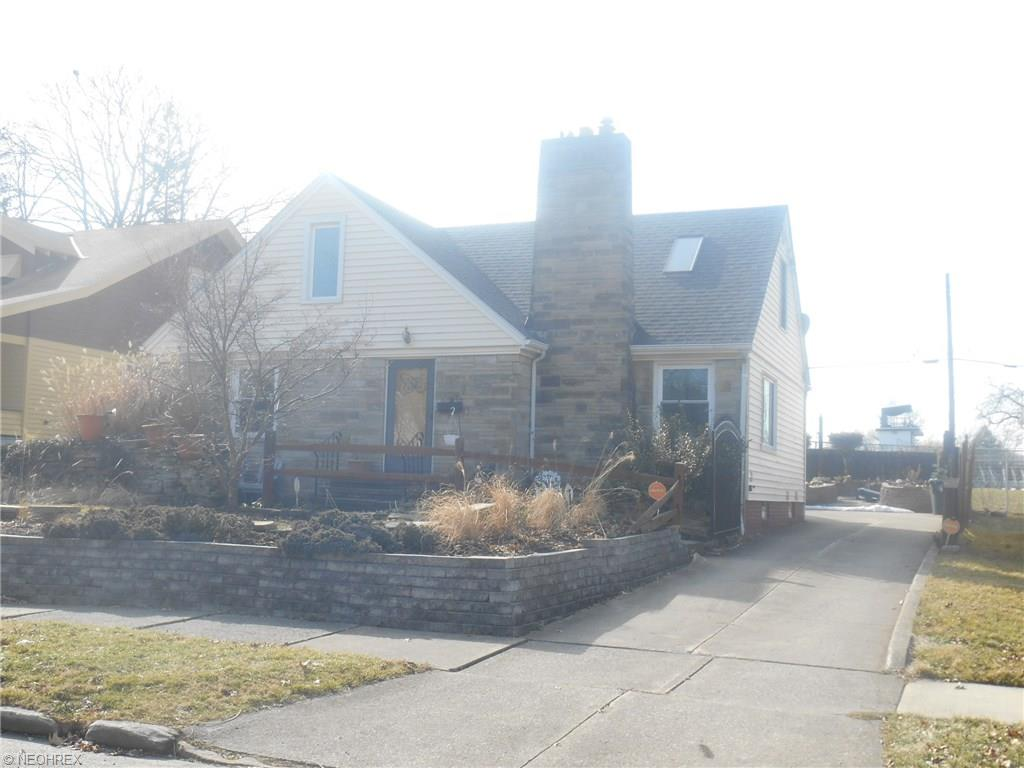 616 Moreley Ave, Akron, OH