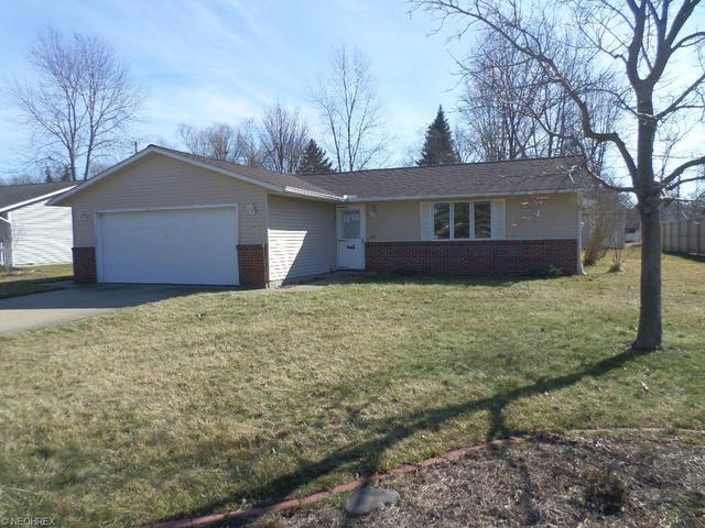 727 Trails End Dr, Amherst, OH