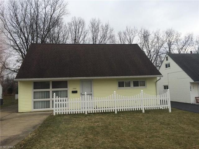 1421 Mckinley Ave, Niles OH 44446
