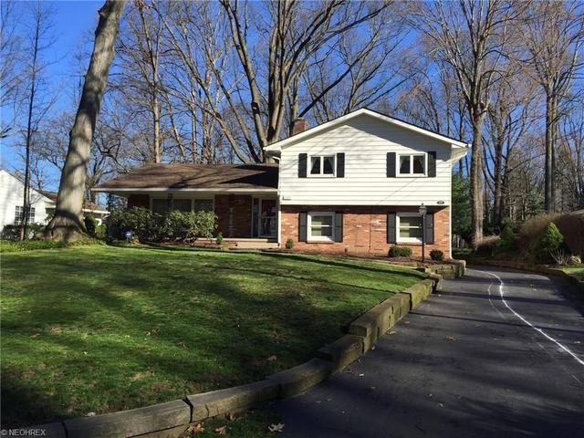 3027 S Oak Hill Rd, Stow, OH